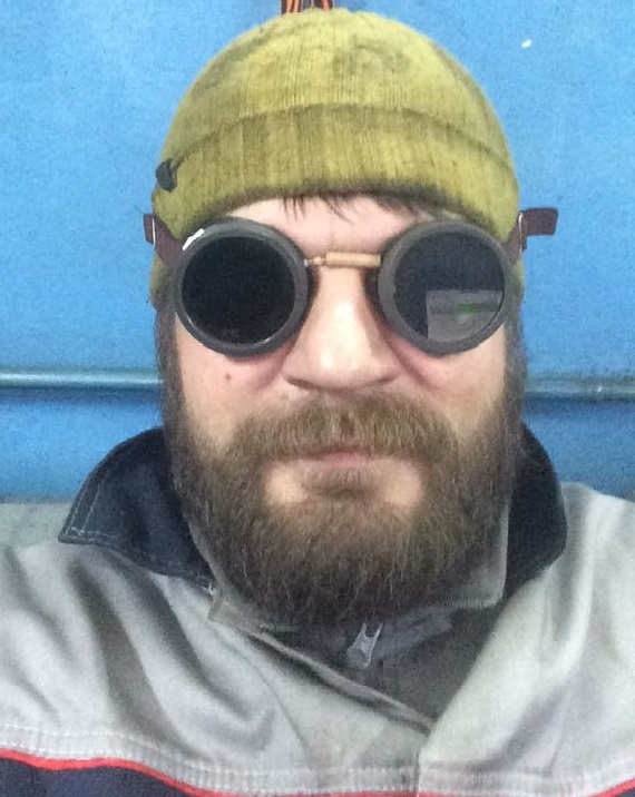 Член команды парапланерного клуба Мое Небо