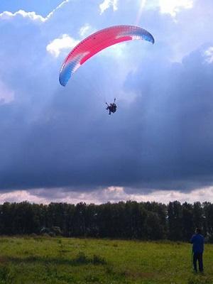 Полет с инструктором на параплане в Москве