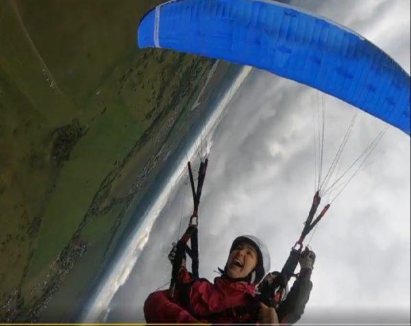 Полет на параплане с воздушной акробатикой